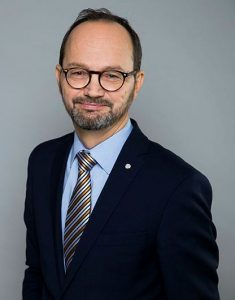 Porträt des Infrastrukturministers Tomas Eneroth