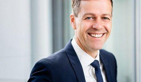 Porträt des norwegischen Verkehrsministers Hareide