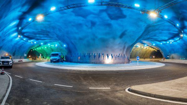 Foto des unterseeischen Kreisverkehrs auf den Färöerinseln